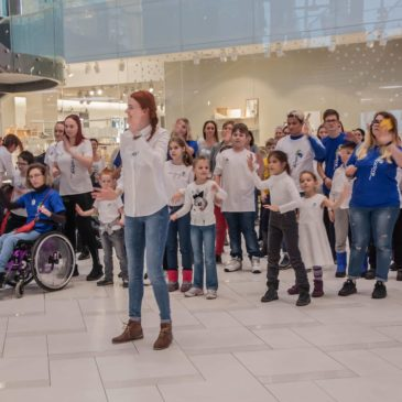 "26.11.2017. Flash-mob ""Look we are near!"" vol.2 in Ülimiste shopping center"